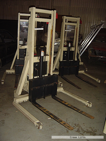 Small Forklift/portable work stands